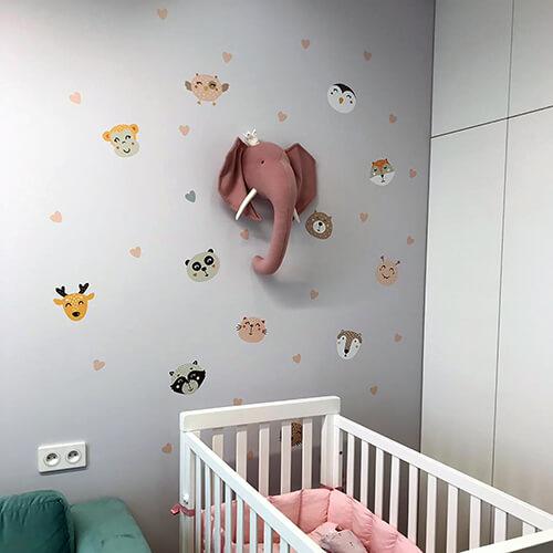 Создание идеальной детской комнаты: оформляем стены наклейками