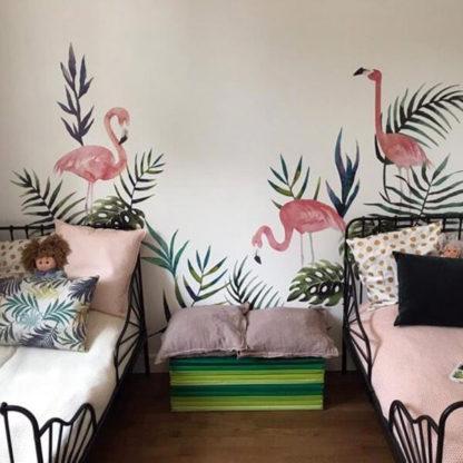 фламинго на стене в детской