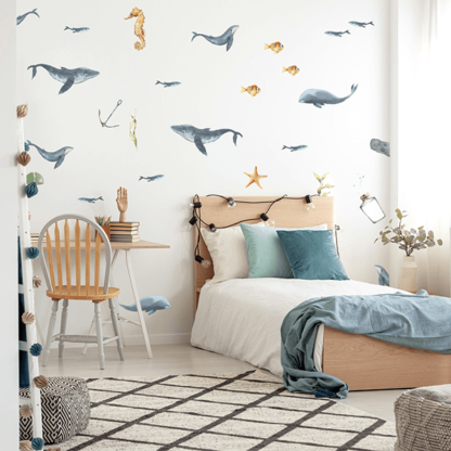 рыбки на стене