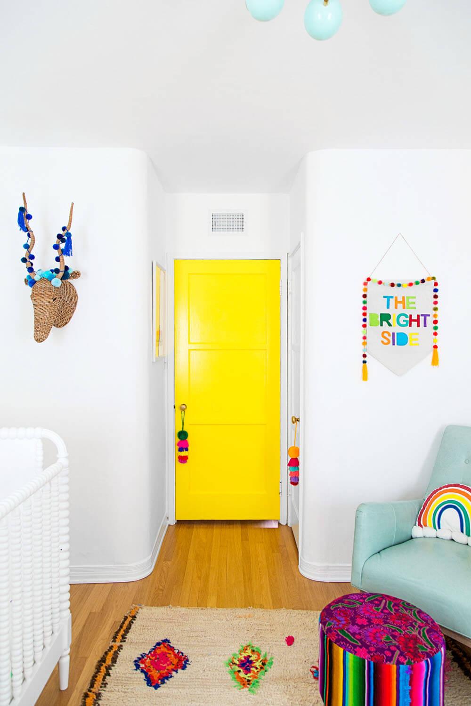 Яркая детская желтая дверь