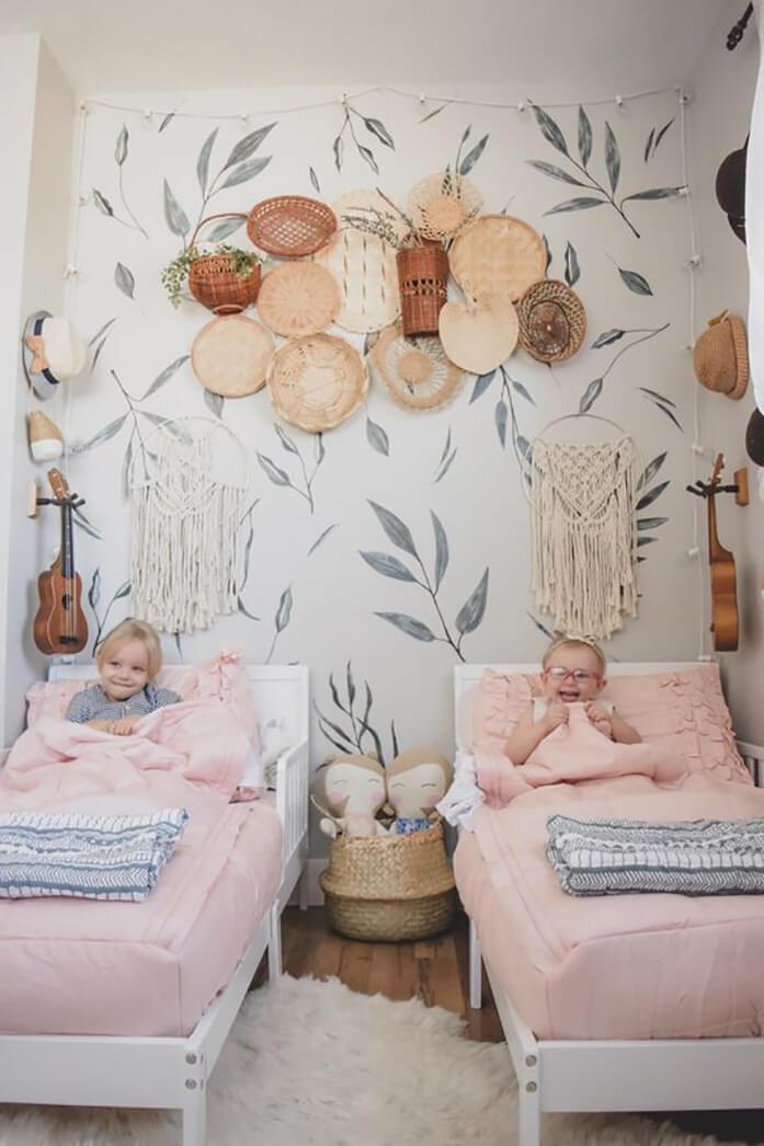 Стены детской в комнате деовчек