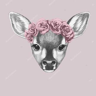 Портрет олененка с цветами на голове